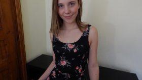Petra Smile ein Schweizer Girl bringt dir den Kick